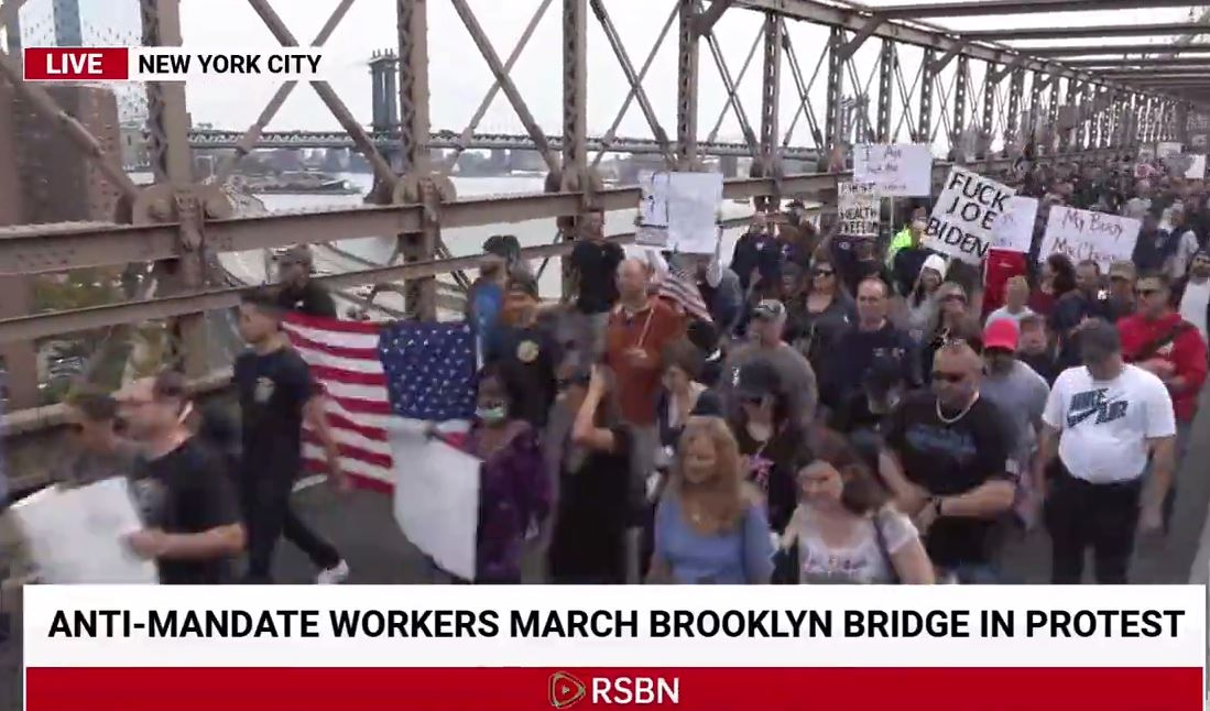 HISTORIC PROTEST AGAINST BIDEN VAX MANDATES — Thousands of NYC Municipal Workers March Across Brooklyn Bridge Shocking Elites (VIDEO)
