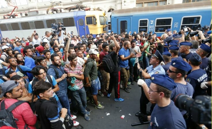 migrant crisis germany hungary train