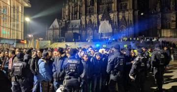 Police Make Several Arrests Outside of Cologne Central Station on New Year's Eve