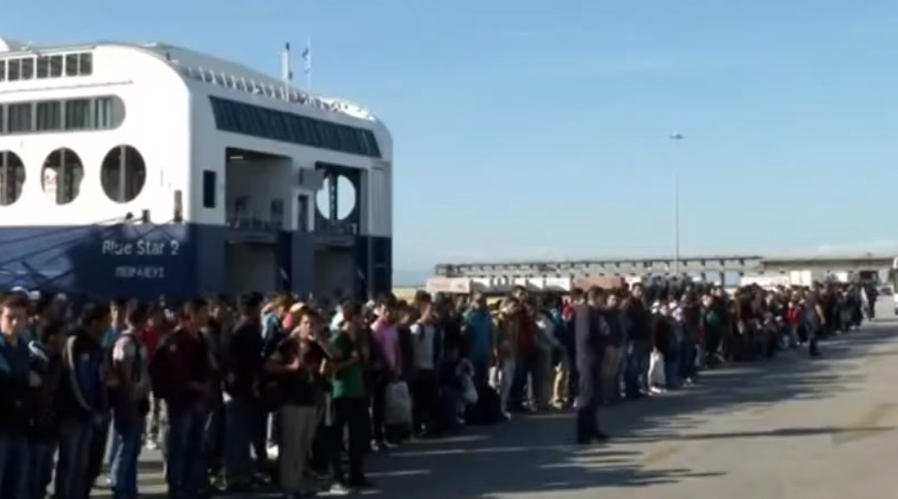 migrants ships greece europe