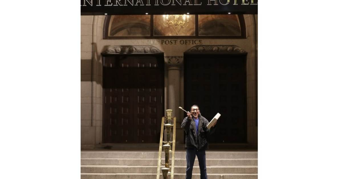 photo image Photo: Liberal Native American Activist Nathan Phillips Held Drum Protest at Trump Hotel In DC in 2017