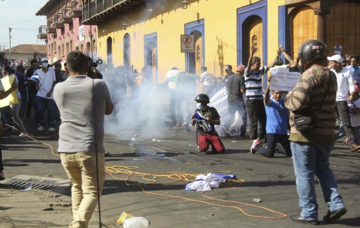 CHAOS IN NICARAGUA 25 Dead Riots in Street REPORTER SHOT DEAD During Filming VIDEO