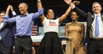 Obama Campaigns with Fake Nurse in Final Chicago Rally