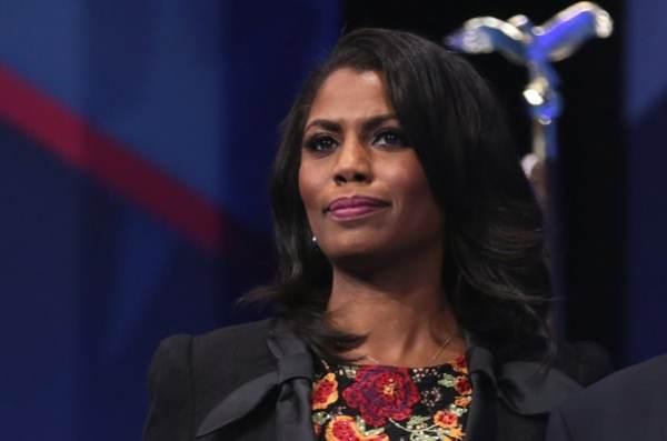 photo image 'Riddled With Lies' Omarosa Gets Pummeled After She Accuses Trump of Using N-Word 'Several Times' in New Book