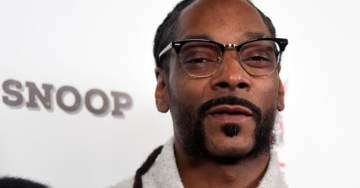 """""""BAN ME MUTHAF*CKAS"""" -Snoop Dogg Slams Facebook Censors After Louis Farrakhan Is Banned"""