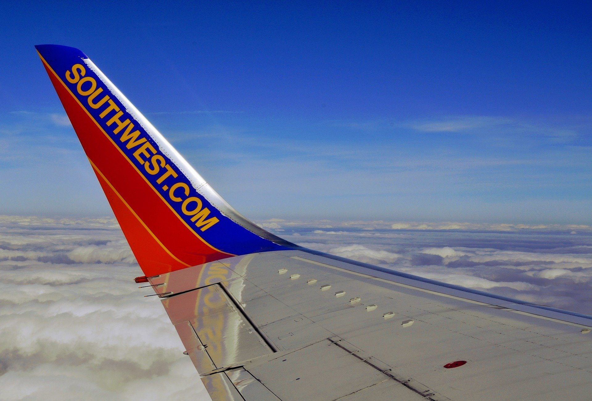Southwest Pilot Goes Balls-Out! – Is Accused of Flashing Genitals Mid Flight