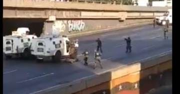 AMAZING VIDEO: In Venezuela National Guard Troops Filmed Arresting, Attacking Other National Guard Troops in Street