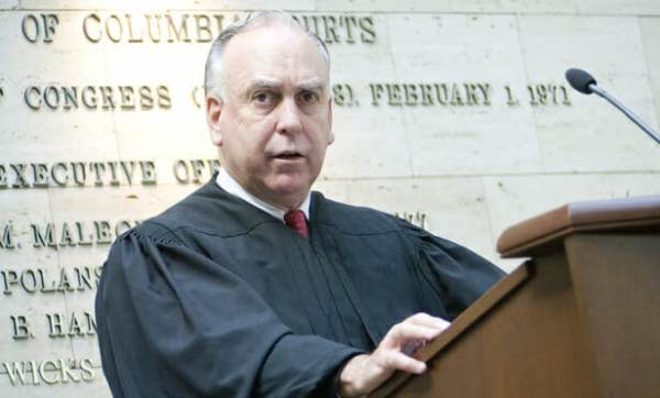Judge Ellis Declines Motion by CNN, WaPo to Release Names of Manafort Jurors – Reveals 'I HAVE BEEN THREATENED'