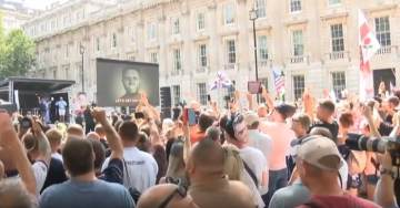 AMAZING TURNOUT! … THOUSANDS Turn Out for Pro-Trump and Free Tommy Robinson Rally in London (VIDEO)