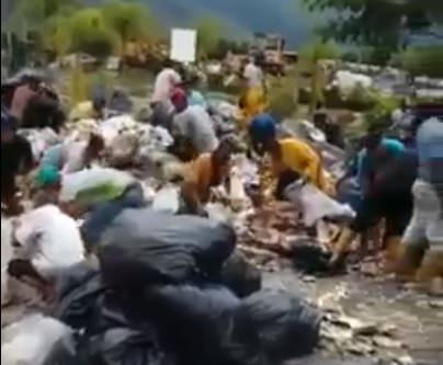 photo image Horror! Starving People in Socialist Sh*thole Venezuela Attack and Kill Cow in Field and Eat It (VIDEO)