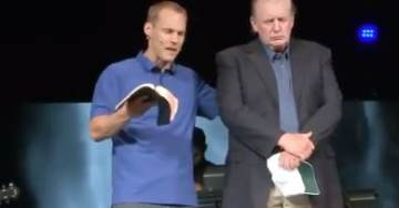 MORE Liberal #FakeNews: Evangelical Pastor Never Apologized For Praying With President Trump