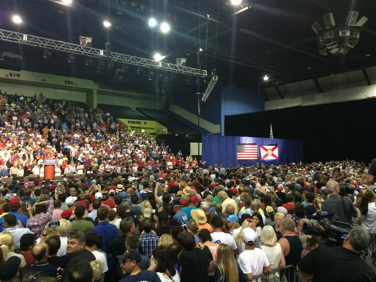 trump crowd daytona