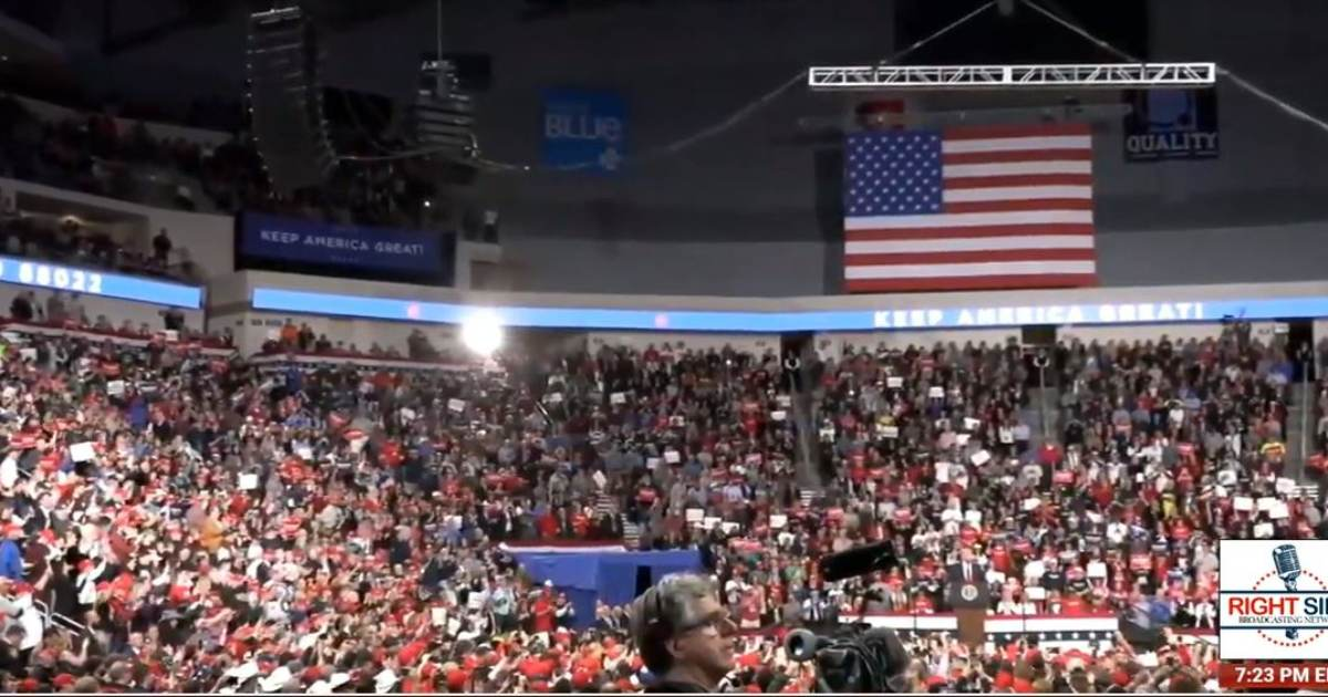 HEY DEMOCRATS! THE TIDAL WAVE IS COMING! Trump Hershey Rally: 12,000 Inside, 30,000 YouTube Livestream Viewers, 2.1 MILLION Facebook Views