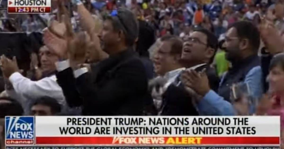 STANDING OVATION FOR TRUMP AT HOUSTON STADIUM -- Indian Americans CHEER TRUMP at 'Howdy Modi' Rally (VIDEO)