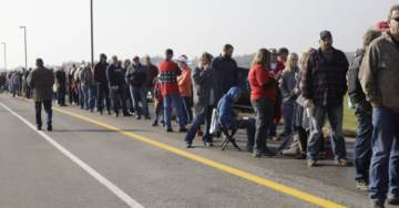 OMG! MUST SEE!…..  MILE LONG LINE to See President Trump in Murphysboro, Illinois (VIDEO)