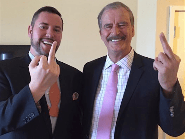 vicente fox flips bird