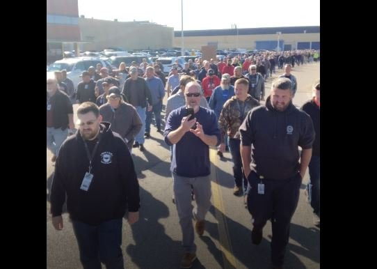IGNORED BY FAKE NEWS MEDIA: 750 GE Federal Contract Workers Walk Out in Protest Against Vaccine Mandates in Ohio — MUST SEE VIDEO